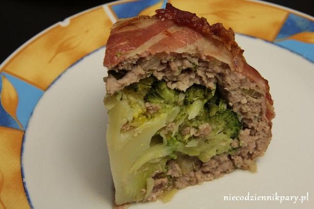 zapiekany brokuł z mięsem mielonym