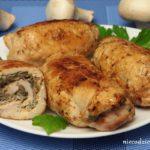 Rolada z piersi kurczaka z pieczarkami