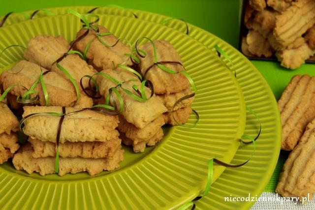 Kruche ciasteczka ze skwarkami