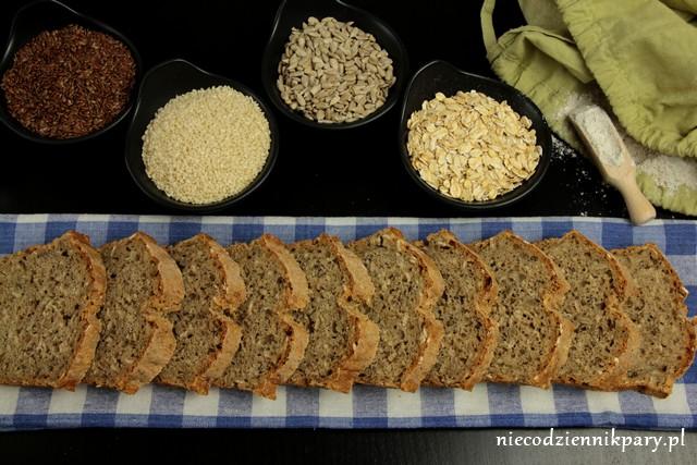 Pszenno-żytni chleb z ziarnami