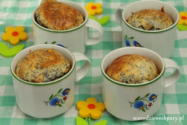 Ciasto gruszkowo-orzechowe z makiem w kubku
