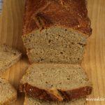 Pszenno-żytni chleb na zakwasie z serwatką