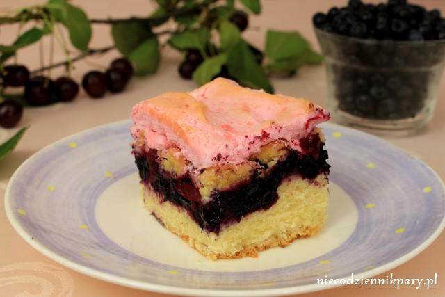 Ciasto drożdżowe z jagodami