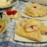 Pierogi z serem i truskawkami