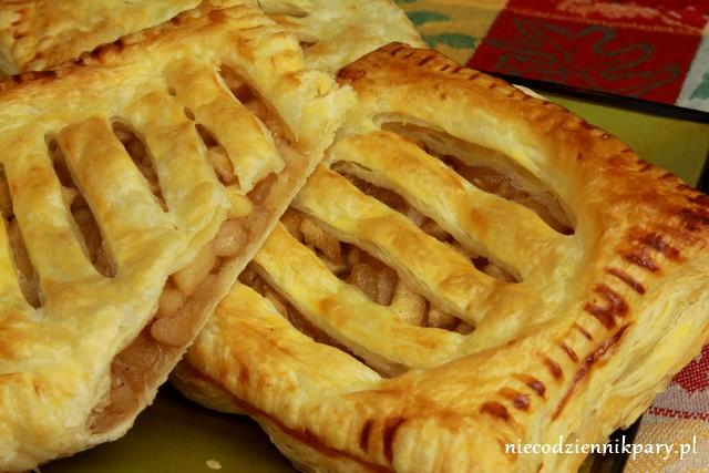 Ciastko francuskie z jabłkami