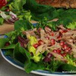 Sałatka z gęsiną i sosem musztardowo-miodowym