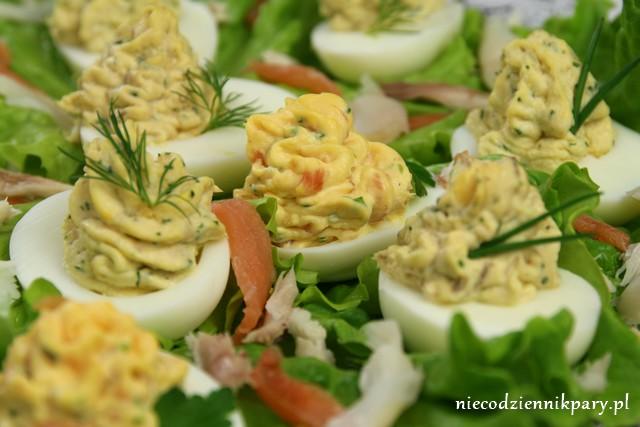Jajka faszerowane pastami rybnymi
