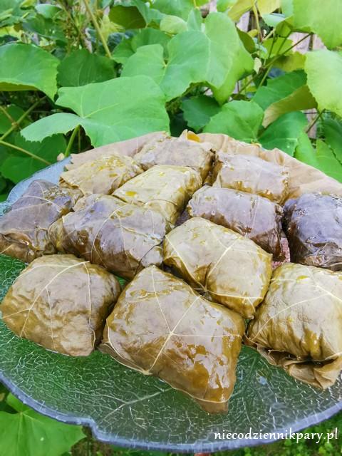 Dolma - gołąbki zawijane w liście winogron