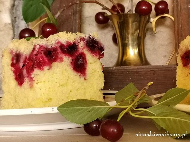 Ciasto na maślance z wiśniami