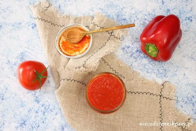 Ketchup z papryki i pomidorów